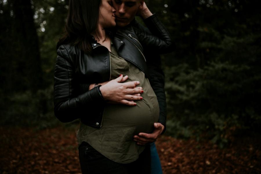 Séance photo future maman en forêt de Rambouillet - photographe maternité et naissance Eure et Loir