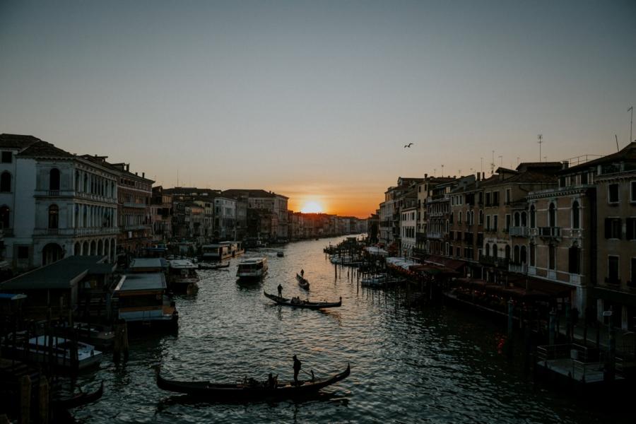 coucher de soleil sur le pont du Rialto à Venise | photographe mariage Chartres