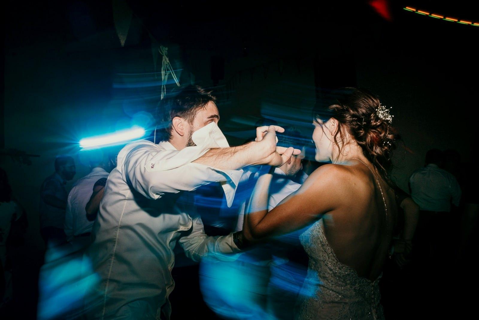 Soirée dansante lors d'un mariage à la ferme d'Armenon
