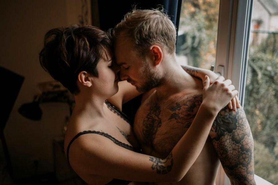 Une séance couple intime à domicile – Arnaud Delaunay photographe