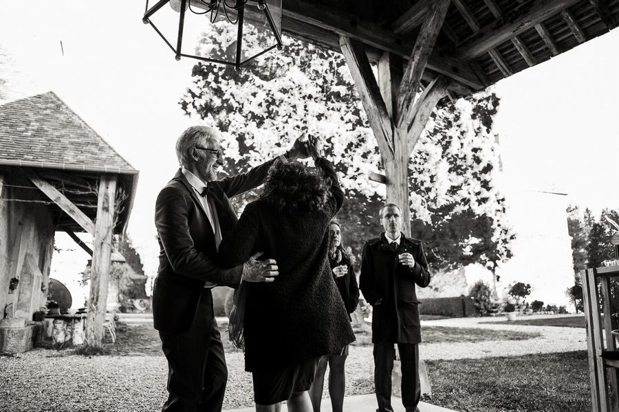 Photos du vin d'honneur lors d'un mariage au manoir de Vacheresses